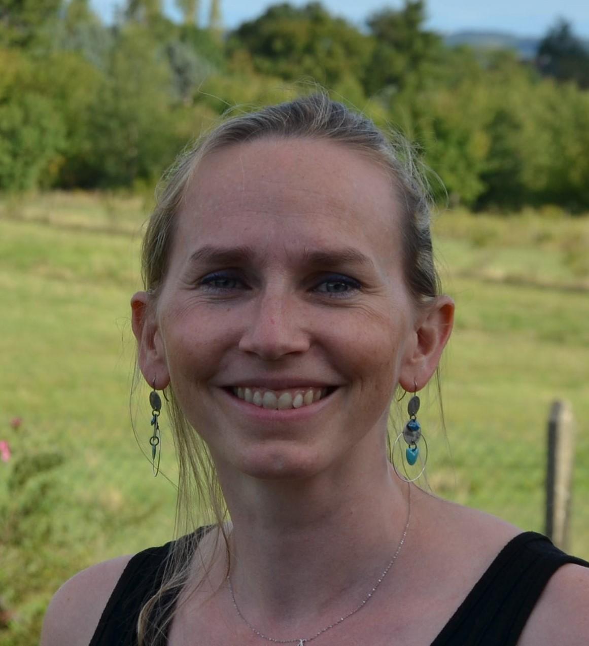 Dr Anne Lazareth